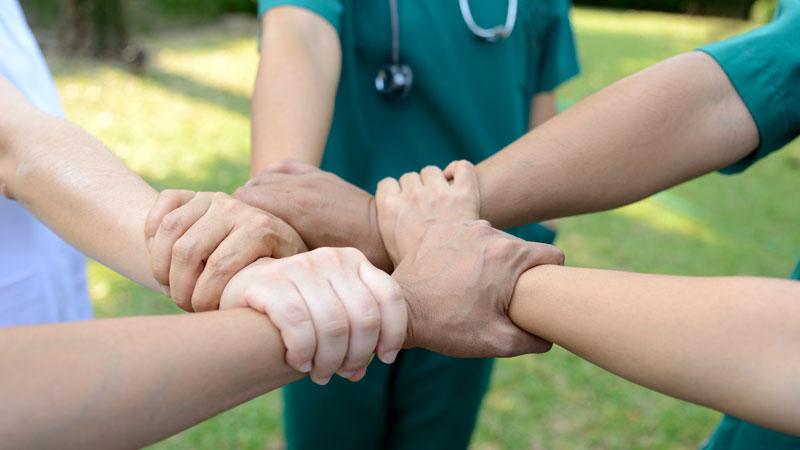 Médicos voluntarios contra el coronavirus: ¿Cómo puedes colaborar?